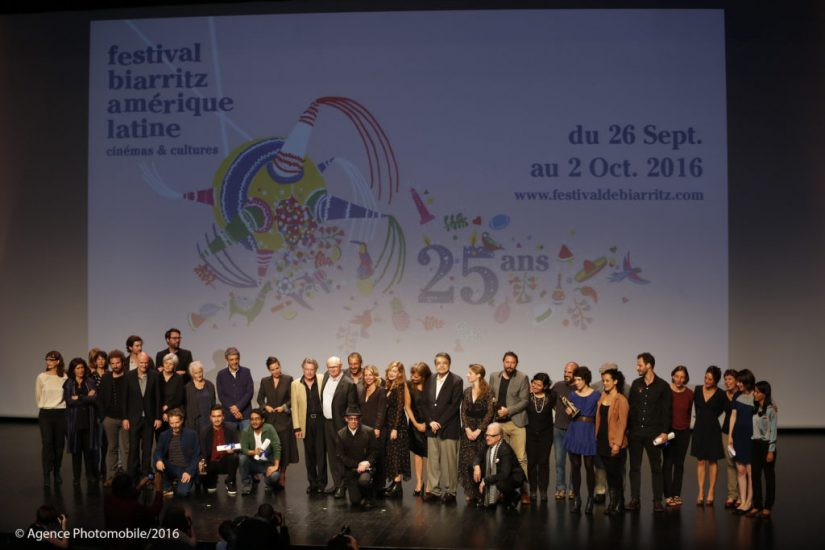Photo de groupe du Festival biarritz amerique latine au Pays Basque edition 2016.  Pays Basque, Pyrenees-Atlantiques, Aquitaine, France, Europe.